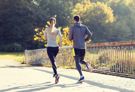 couple-running-or-jogging-outdoors-PF4W4XY