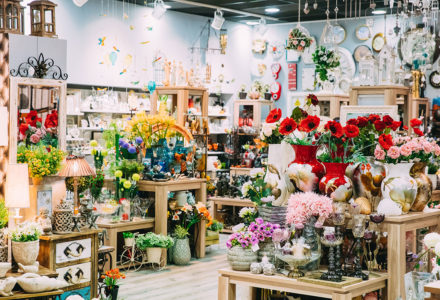 view-of-assortment-of-gift-shop-in-store-of-PV74UZM